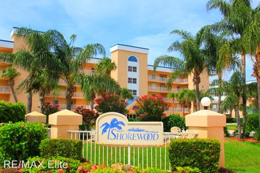 Shorewood Drive